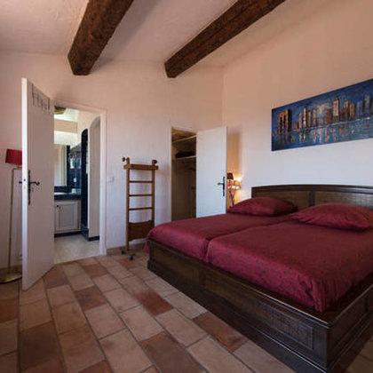 1. Schlafzimmer mit Bad, Meerblick, dt. Bettgrösse: 1.80m x 2m, 2 Matratzen + Mückenschutz